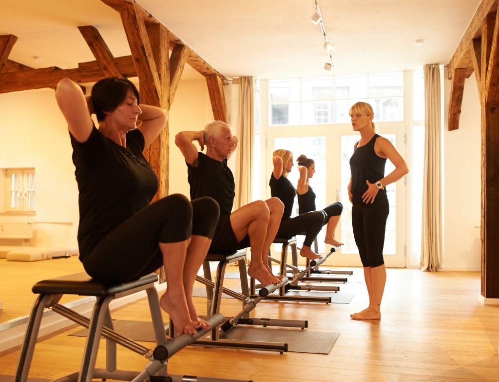 Übung Pilates Chair
